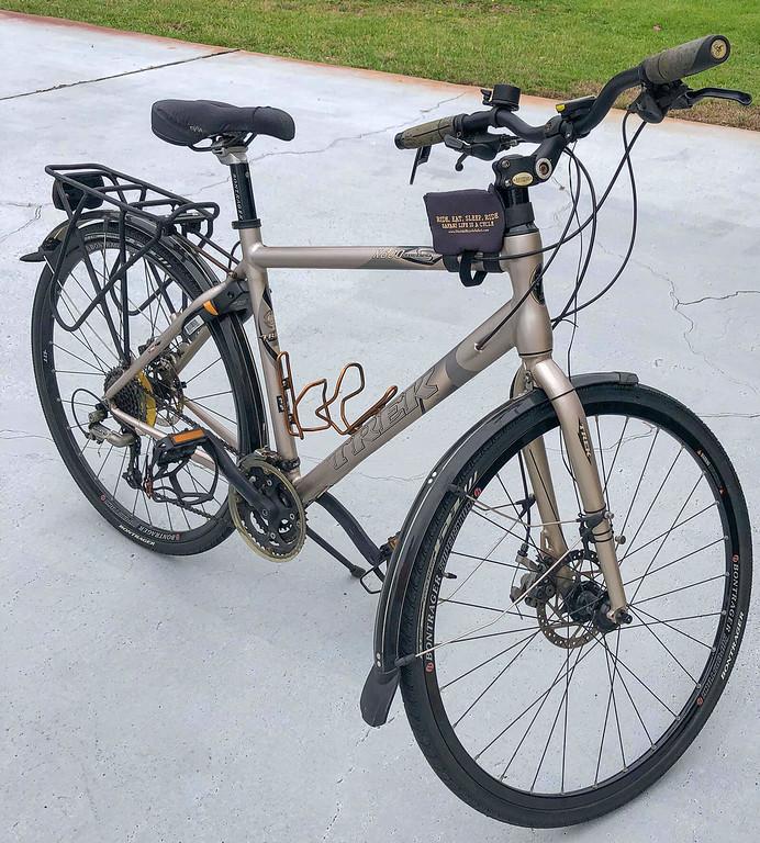 Trek X600 Navigator hybrid bike