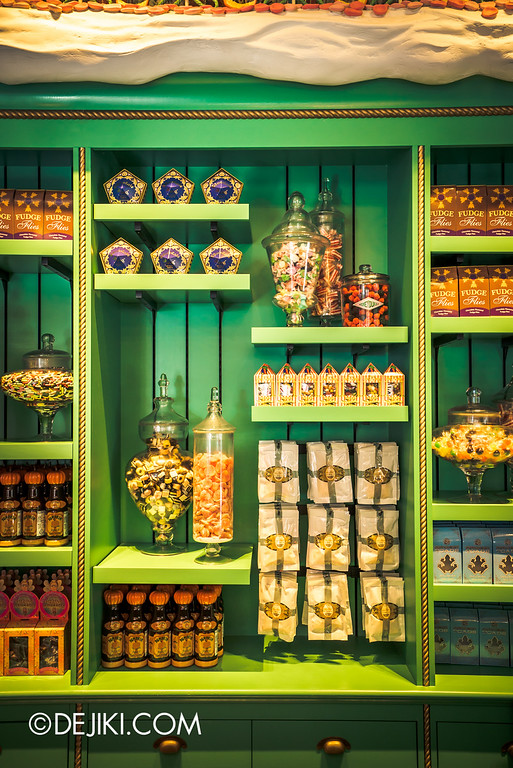 Universal Studios Japan - The Wizarding World of Harry Potter - Hogsmeade Honeydukes Shelf of Candies