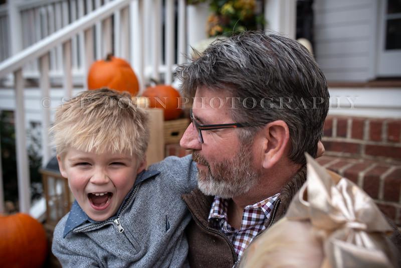 2019 November Ellis Family-140-205.jpg