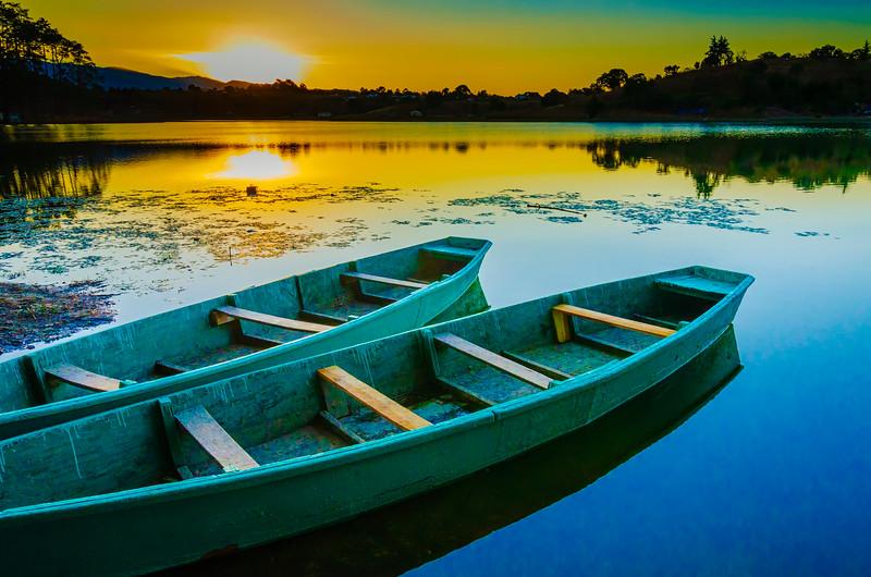 Lemoa boats.jpg