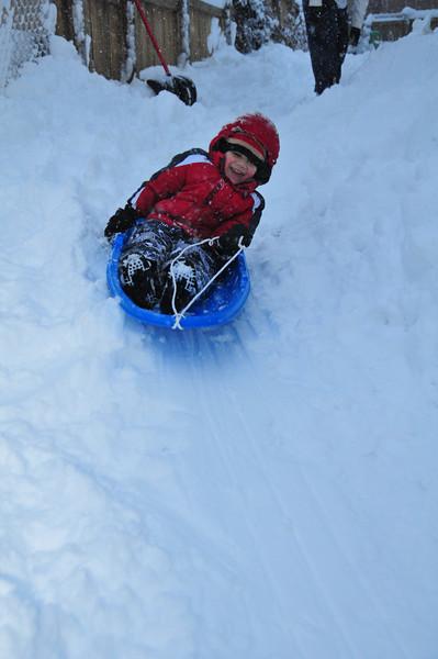 2012-12-09 First Snow of the Year - Sleeding 018.JPG