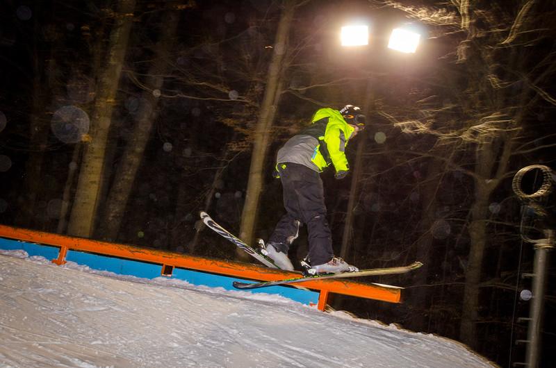 Nighttime-Rail-Jam_Snow-Trails-63.jpg