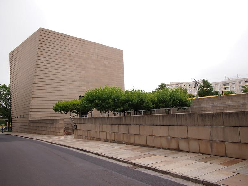 P8177416-new-synagogue.JPG