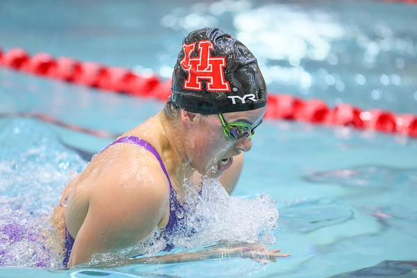 UH Swimming 18