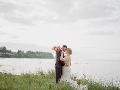 Stefanie & Elias | The Beach Club Parksville BC