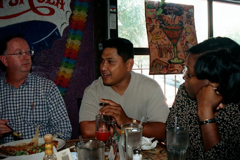 2002 05 20 - Lt Shannons lunchon 07.JPG