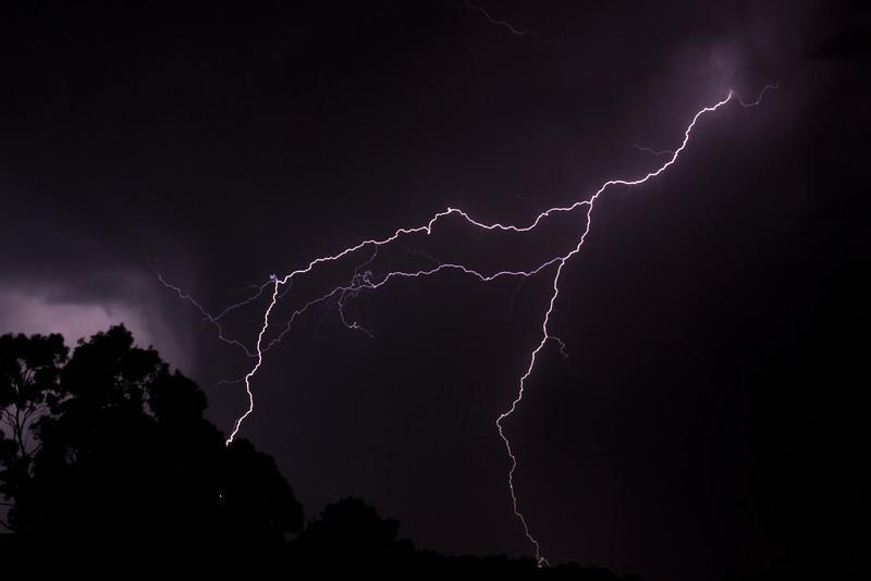 Lightning-002-2-2.jpg