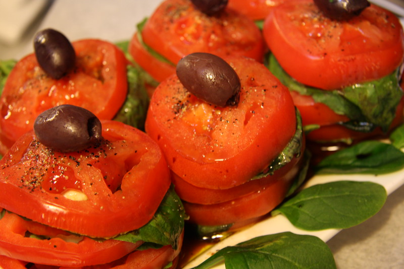 caprese-salad-tower_3376708616_o.jpg
