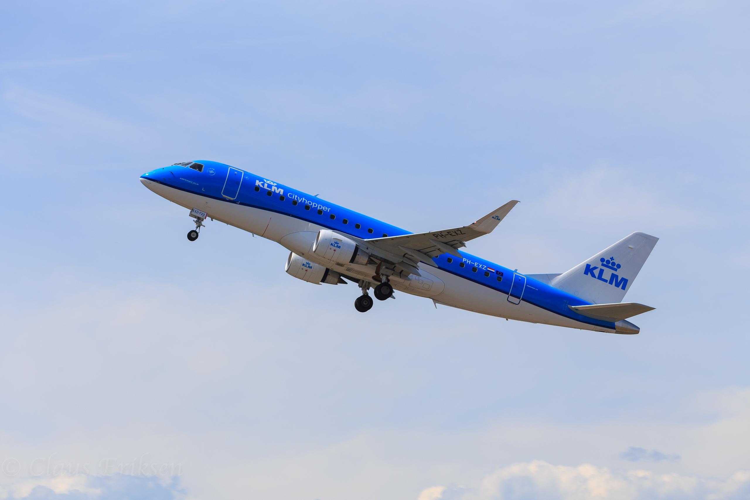 PH-EXZ takeoff