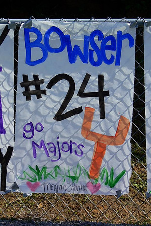 Homecoming Player Signs