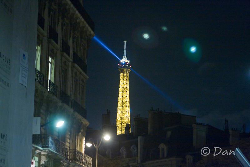 Tour d'Eiffel at night