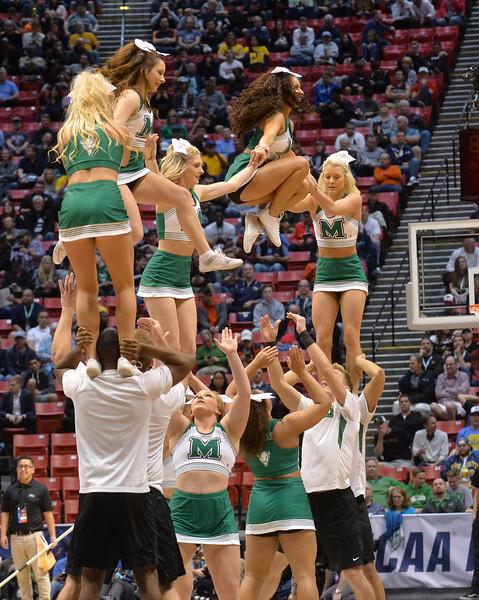 cheerleaders4267.jpg