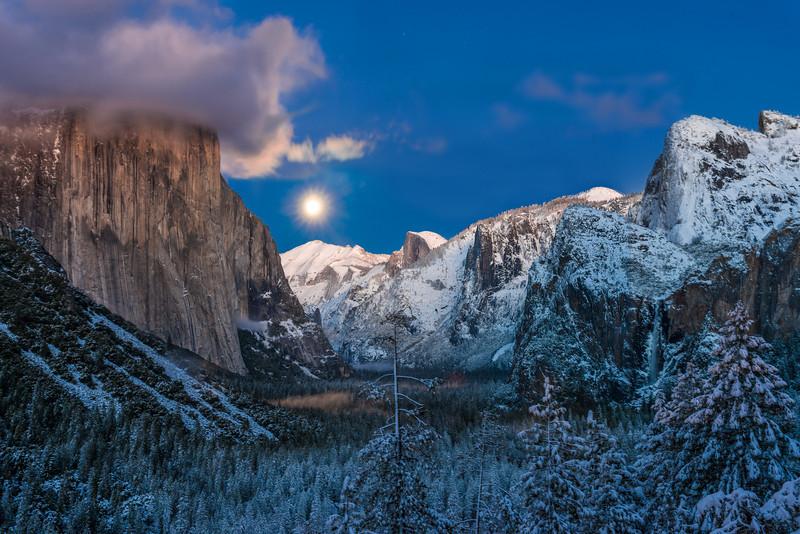 Snowy Yosemite (2012-12-27)