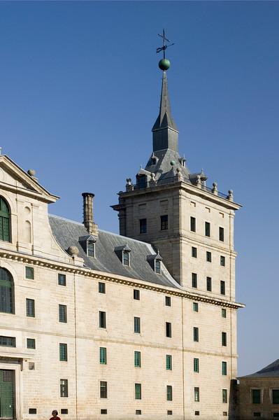 Partial view of El Escorial facade.