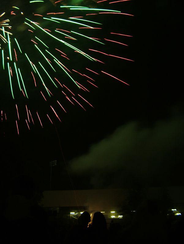 2004_1105putneyfireworks20054.JPG