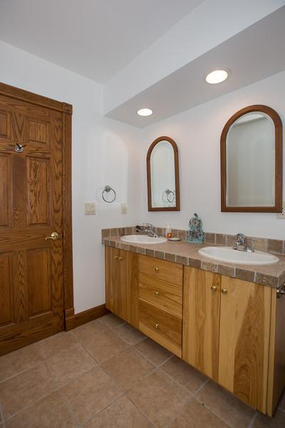 bathroom 2 (1 of 1)-2.jpg