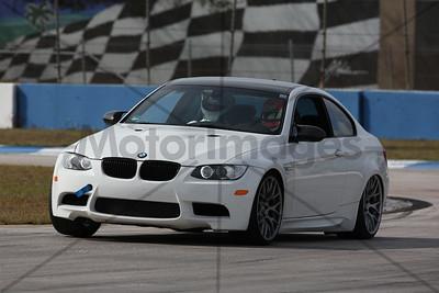 11 BMW WHITE