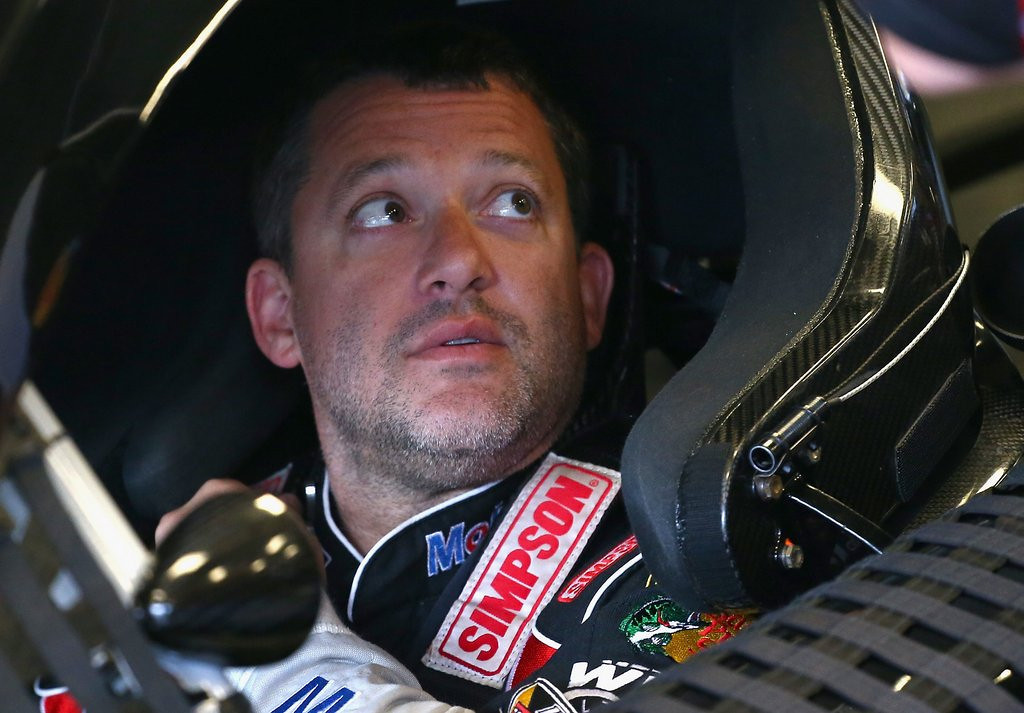 ". <p><b><a href=\'http://www.twincities.com/breakingnews/ci_23803586/tony-stewart-nascar-star-breaks-right-leg-iowa\' target=""_blank\""> 5. (tie) Tony Stewart </a></b> <p>Oh snap! (unranked) <p> --------------------------------------------    (Andy Lyons/Getty Images)"