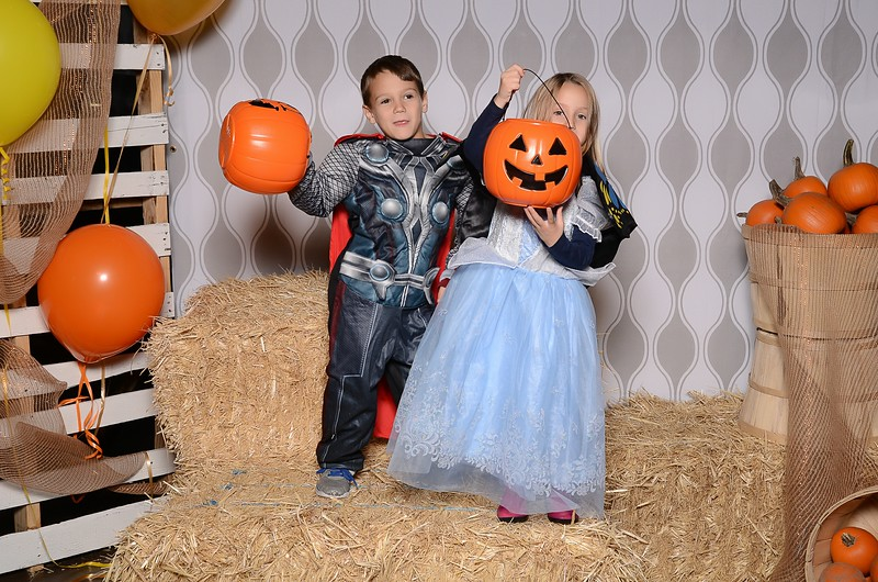 20161028_Tacoma_Photobooth_Moposobooth_LifeCenter_TrunkorTreat1-27.jpg