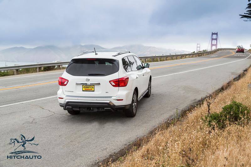 NissanPathfinderSL_White_XXXXXXX--4.jpg