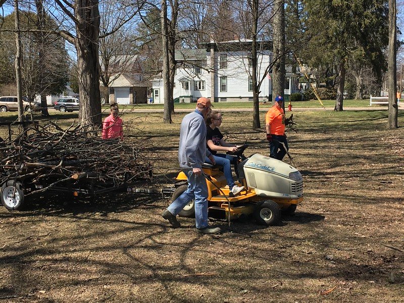 Charles Pritchard - Oneida Daily Dispatch Members of Oneida Rotary, Madison County 4H Club and Interact clean up Allen Park for Earth Day on Sunday, April 22, 2018.