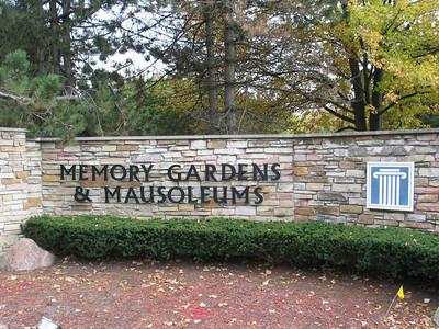 Memory Gardens & Mausoleums, Arlington Heights