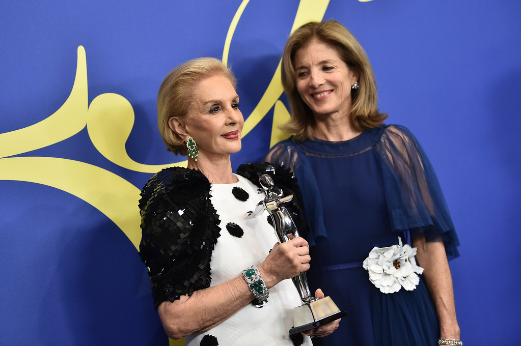 . Carolina Herrera, left, winner of the founder\'s award, and Caroline Kennedy poses in the winner\'s walk at the CFDA Fashion Awards at the Brooklyn Museum on Monday, June 4, 2018, in New York. (Photo by Evan Agostini/Invision/AP)