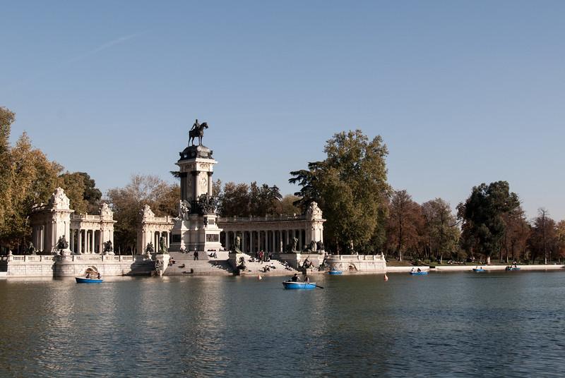 Monument to Alfonso XII in Jardines del Buen Retiro