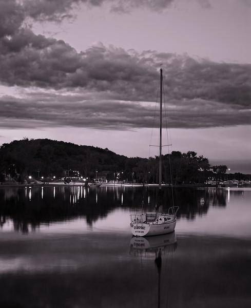 The calm of the Hudson Marina before sunrise