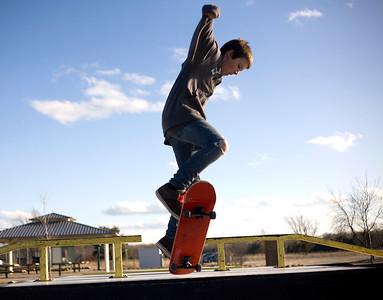 20120308 - skate boarder (LB)