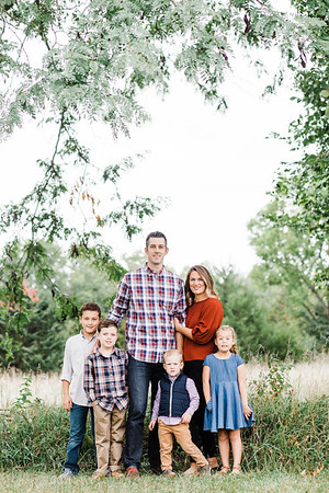 Vikkie + Family