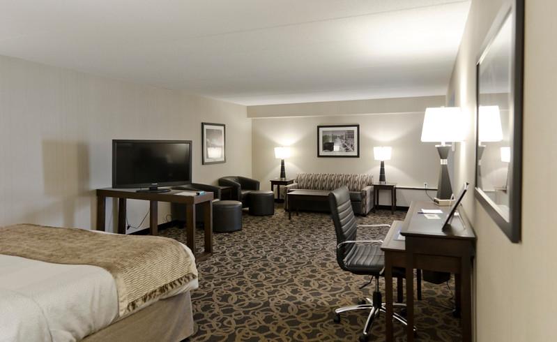 ramkota hotel living space