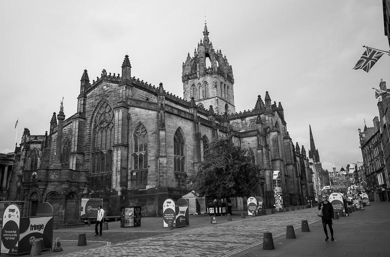 2013-08-03-Edinburgh-B-n-W-1