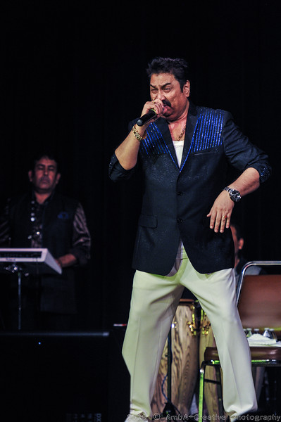 2016-10-09_DurgaPuja_Concert_KumarSanu@KallolNJ_14.jpg