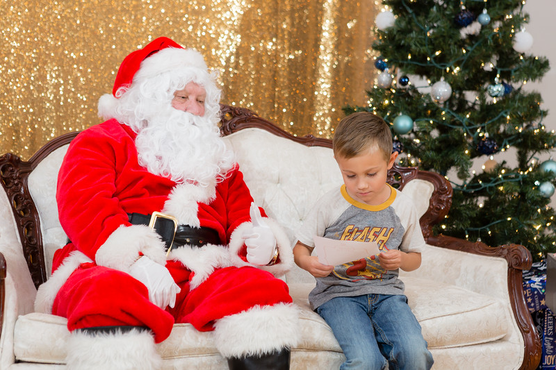 FADS Picture with Santa-284.jpg