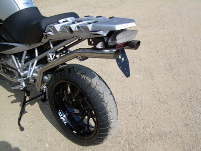 r1200gs_hattech_twin_inderseat_exhaust3.jpg