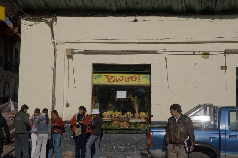 Cusco, Peru - Yajuu sign (2008-07-07).psd