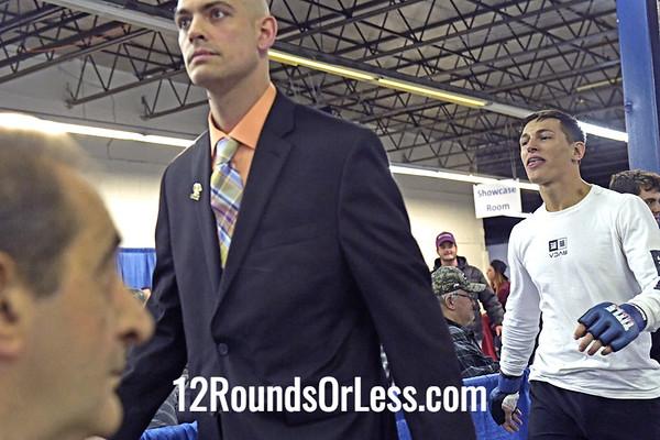 Bout 6:  Amateur MMA, Noah Greenwood, Blue Wrist Wraps ve Jesse Hinerman, Red Wrist Wraps