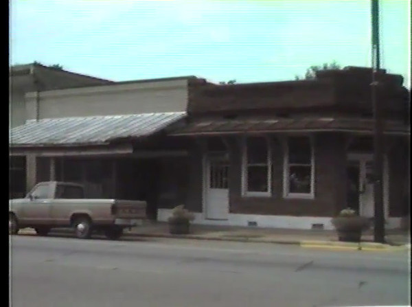 L.H. Walters Store, Thomaston, located on 2nd Avenue.