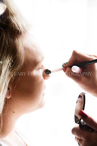 Hillary_Ferguson_Photography_Melinda+Derek_Getting_Ready077.jpg