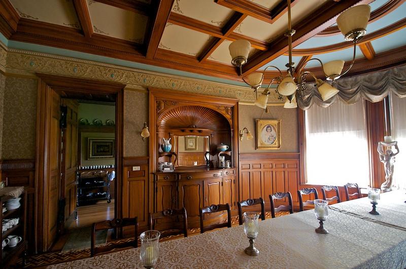 Wiedemann Hill Mansion - dining room detail