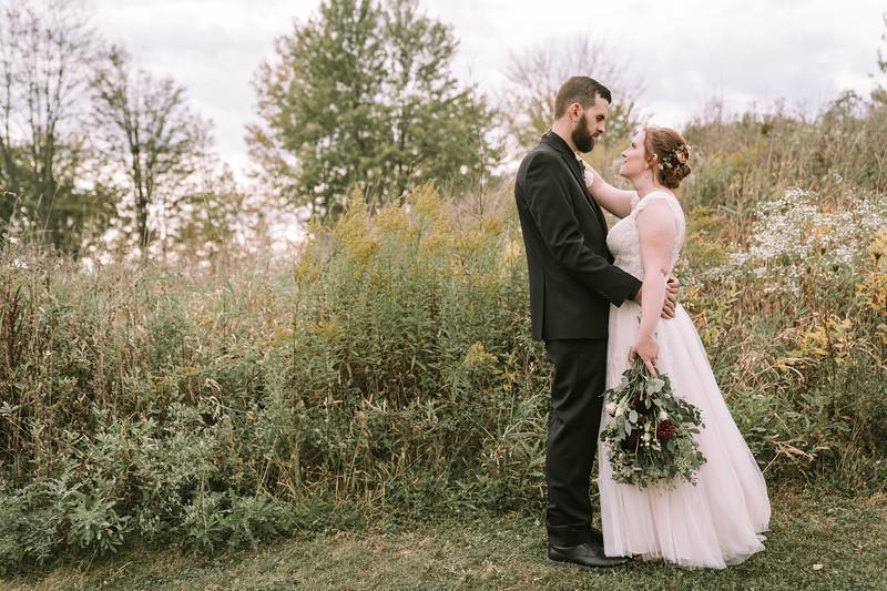 rustic_ohio__fall_barn_wedding-312.jpg
