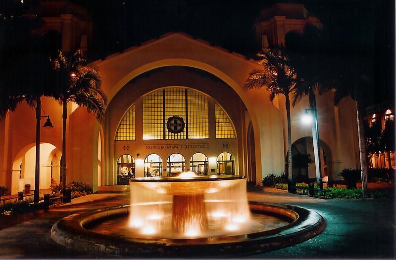 Santa Fe RR fountain.jpg