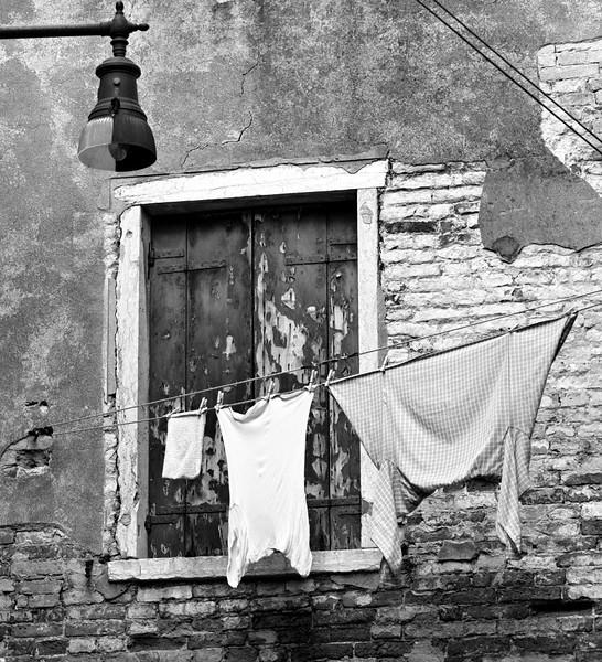 washing4bw.jpg