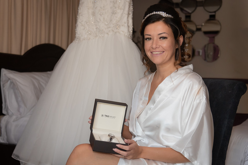 01 Bridal Prep-37.jpg