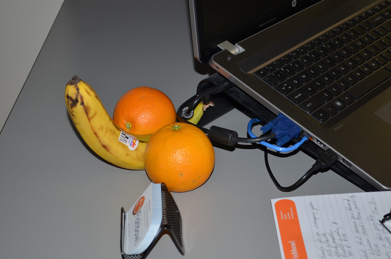 2012-2-17 –––– Everyone in the office is participating in a program for healthy eating and exercise. I see strange things around the office, like racing bikes and sweaty work out clothes laying on the floor of offices, but  these three servings of fruit are the strangest yet.