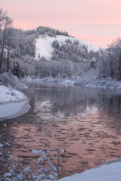 river between two lakes-3200.jpg