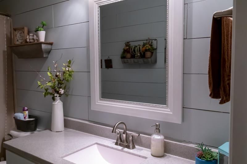 bathroom 1 (2).jpg