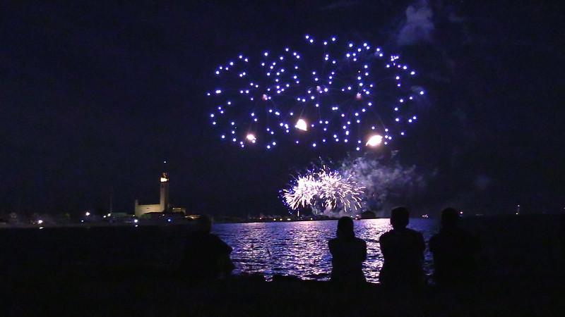 Grosse Pte Yacht Club Fireworks.mp4
