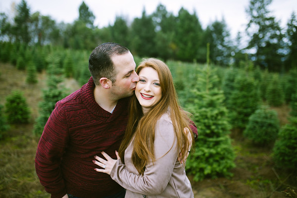Jacob & Amanda | Sleighbells Christmas Tree Farm